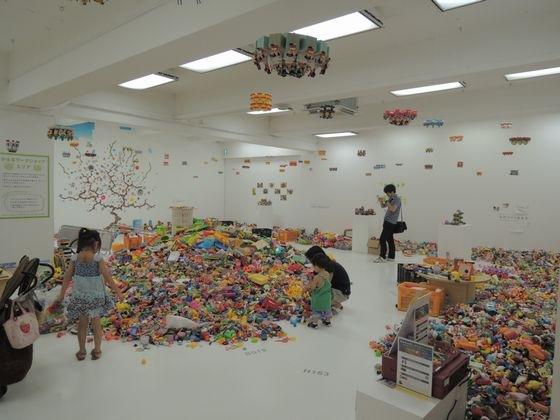 Exhibition view of Hiroshi Fuji