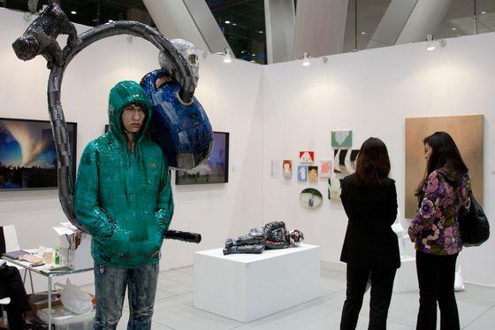 Korean Gallery at Art Fair Tokyo 2012, Photo by Munetoshi Iwashita (c) Art Fair Tokyo.