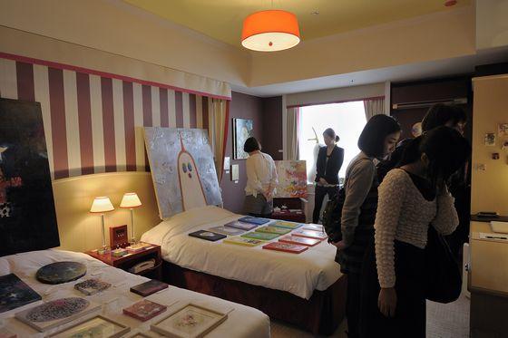 View of ART KYOTO 2012, Hotel Monterey Kyoto, gallery neutron   photo by Ikuko Hirose