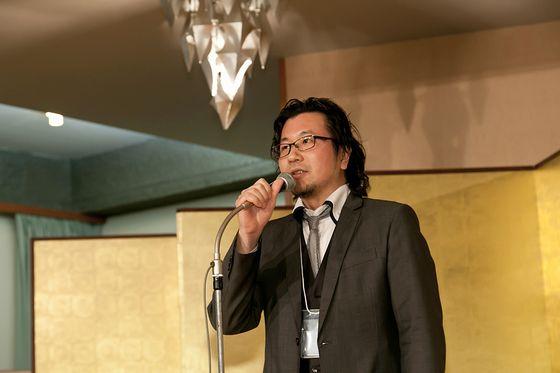 Mr. Ishibashi making a speech at Art Kyoto 2012.