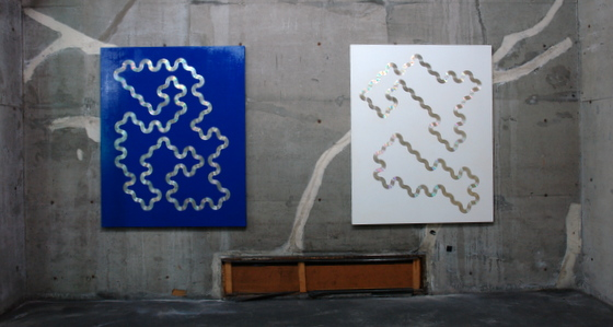 """CD (Blue)"" and ""CD (White)"" by Lyota Yagi"