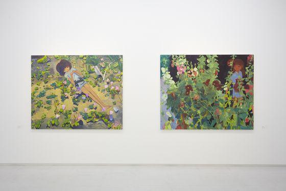 """Following everywhere""(left) and ""Eyewitness testimony"" (right) Installation view from ""Makiko Kudo"" at 8/ ART GALLERY/ Tomio Koyama Gallery, 2013 ©Makiko Kudo Photo by Kenji Takahashi"