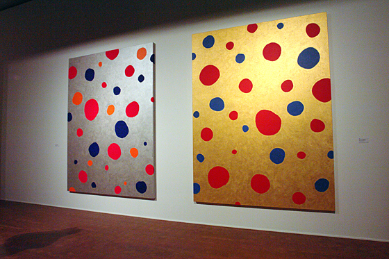 "[left] ""OBLITERATION OF STARS (SILVER)"" by Yayoi Kusama, 2010 [right] ""OBLITERATION OF STARS (GOLD)"" by Yayoi Kusama, 2010"