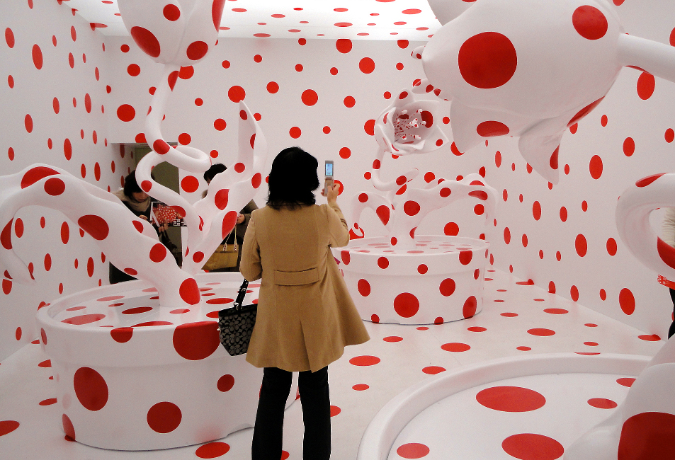 "Exhibition view of ""WITH ALL MY LOVE FOR THE TULIPS, I PRAY FOREVER"" by Yayoi Kusama, 2011 in Yayoi Kusama ""Eternity of Eternal Eternity"""