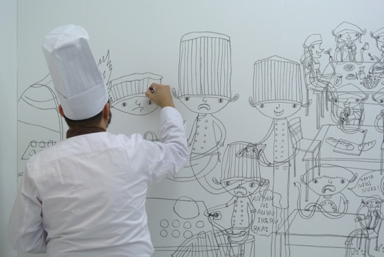 Shintaro Miyake's live drawing performance, in costume.