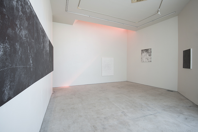 """go for a walk at twilight"" at MA2Gallery, photo by Masaru Yanagiba"