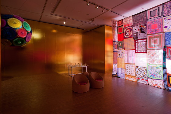 "Kito Kengo ""royal (polyhedron)"" 2009 [left], ""untitled(scarves)"" 2011[right], Courtesy of the artist, photo: Kazuo Fukunaga"