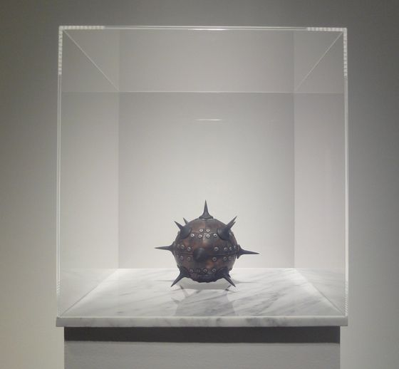 "Exhibition view of ""Levitation"" at Yamamoto Gendai Gallery ""Levitation- Black Sun 1"", 2010, Electric magnet, brass, plastic, marble and other media H151xW30xD30cm(include pedestal and acrylic case)"